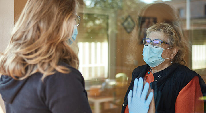 Caregivers struggle during the pandemic. In the U.S., a quarter of the American workforce lacks paid family leave, according to Pew Research Center. Photo: iStock